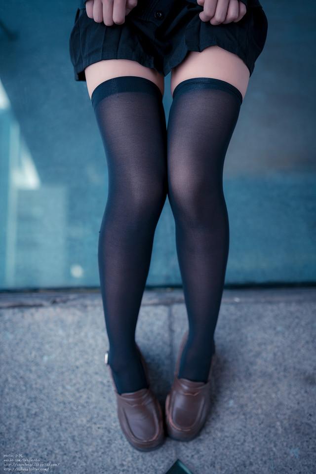 冷色美腿黑丝