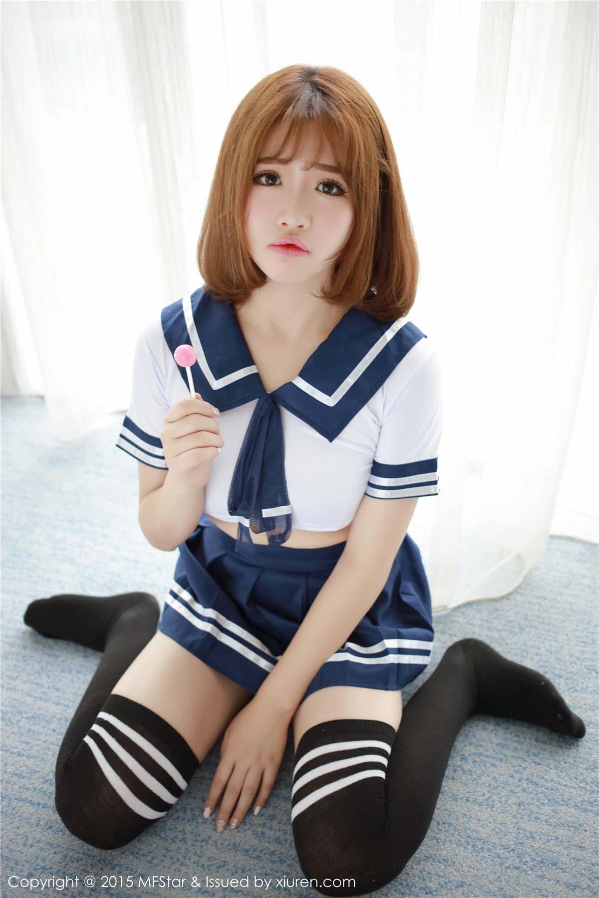 熊猫巨乳娘徐cake水手服抹胸连体清纯可爱写真52P