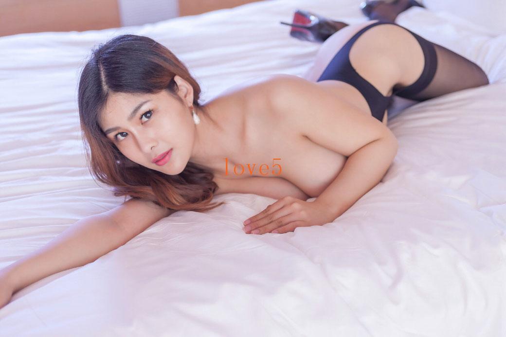 闫盼盼黑丝迷情1
