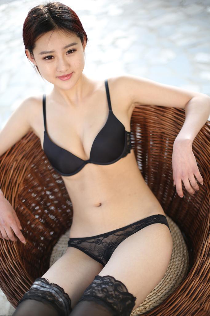 赵依依黑丝3