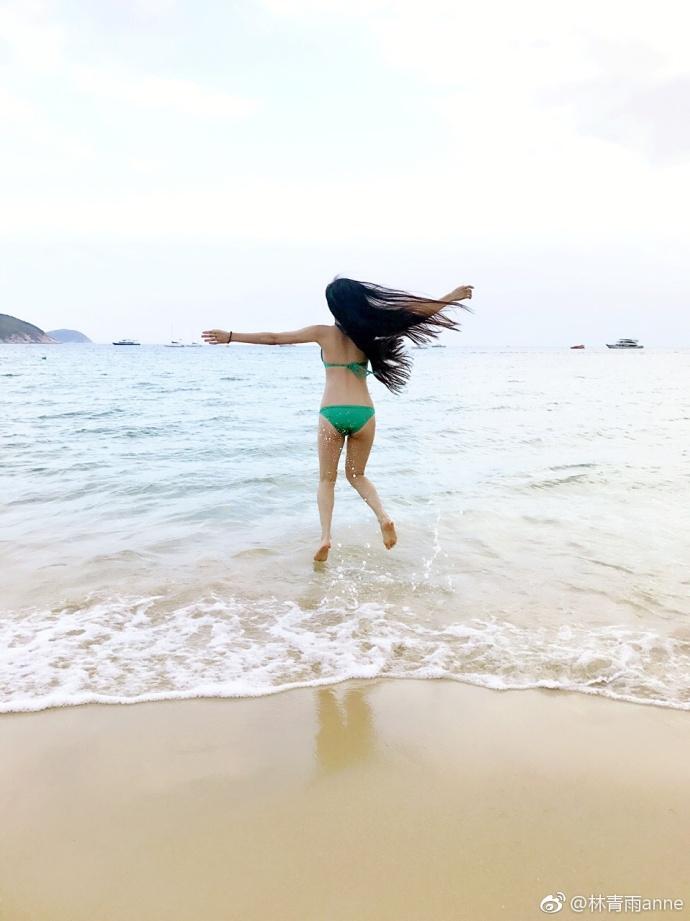林青雨泳装照