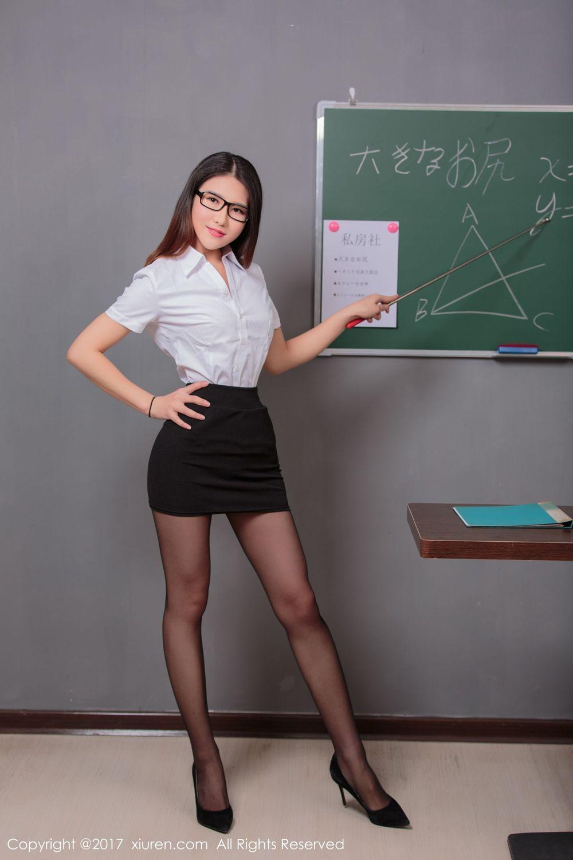 教师OL糖果儿 制服黑丝教鞭写真