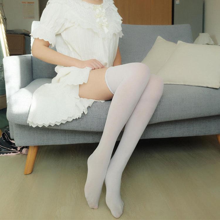 主播念雪酱—白色长筒过膝袜