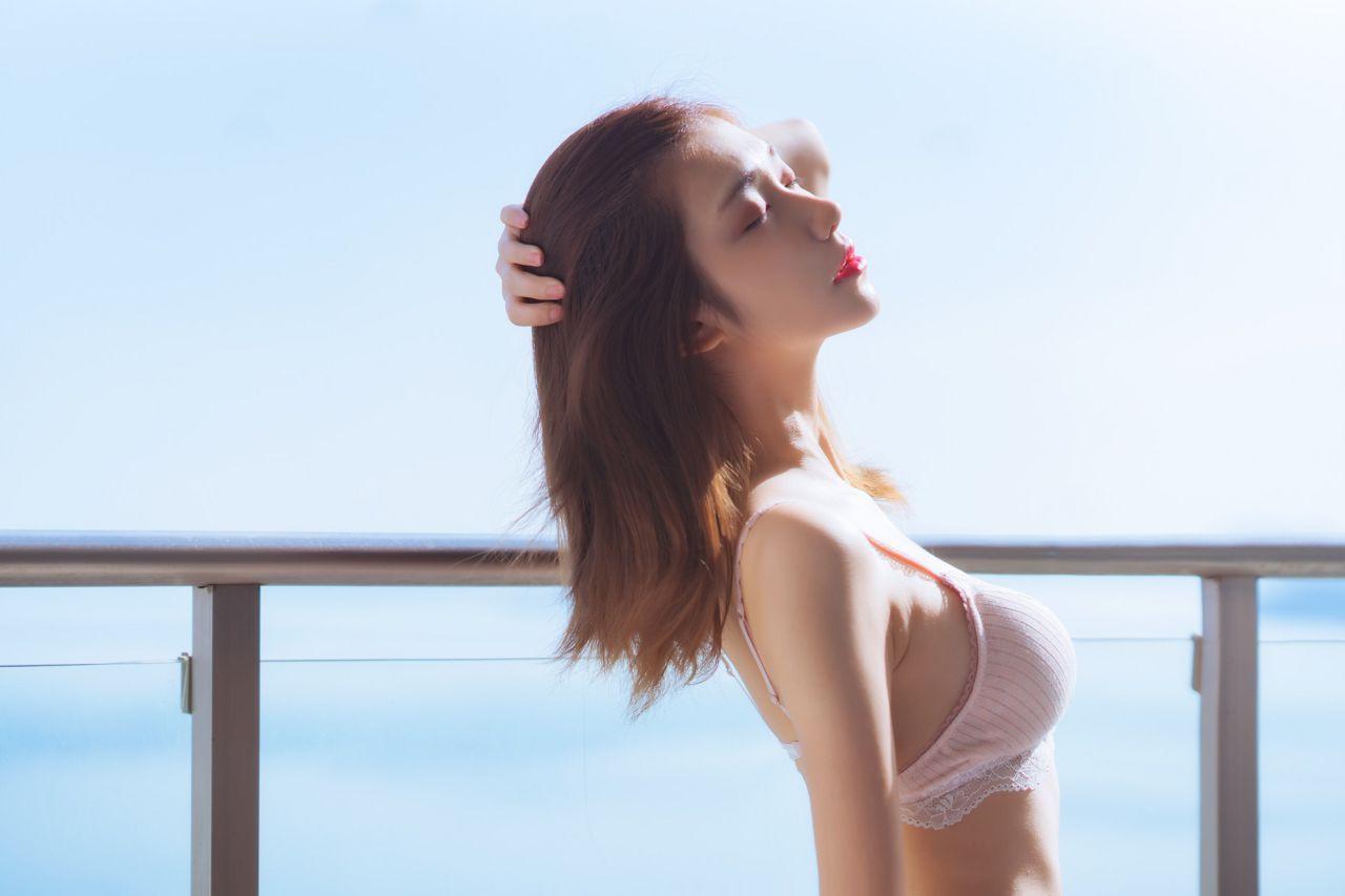 南桃Momoko 粉色内衣尺度私房照