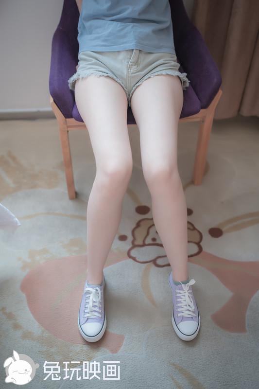 兔玩映画 – 白嫩妹妹的果腿