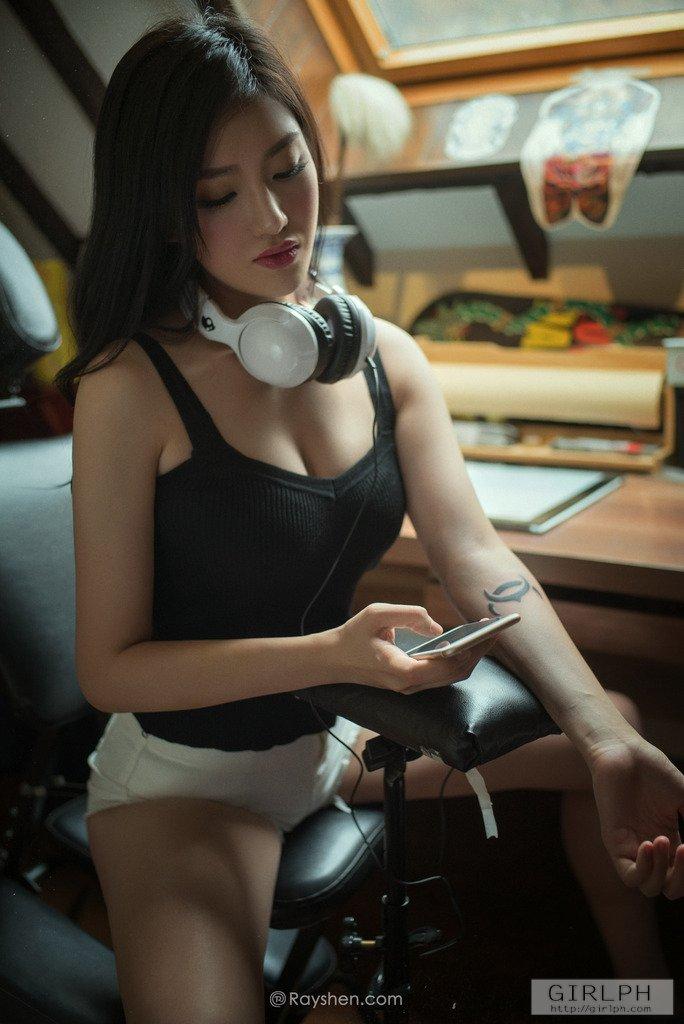纹身美女4
