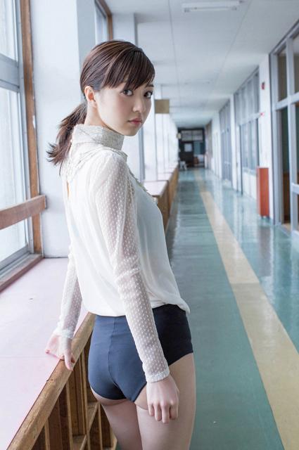 森丽奈_逢泽莉娜Rina Aizawa性感的黑丝 - 拍照片