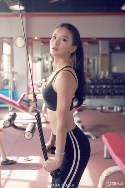 健身美女无法阻止的心廋了才美